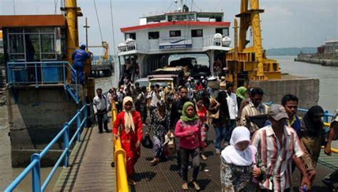 Ferry Hermawan by Asdp Ferry Buka 12 14 Loket Penumpang Arus Mudik