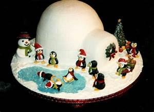 Igloo Ice Skating Novelty Penguin Christmas Cake Fruit