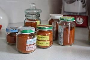 Pot En Verre Deco : diy customisation de pots en verre avec du masking tape ~ Melissatoandfro.com Idées de Décoration