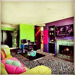Oh What A Room : 1000 images about neon bedroom ideas on pinterest neon neon decorations and string art ~ Markanthonyermac.com Haus und Dekorationen