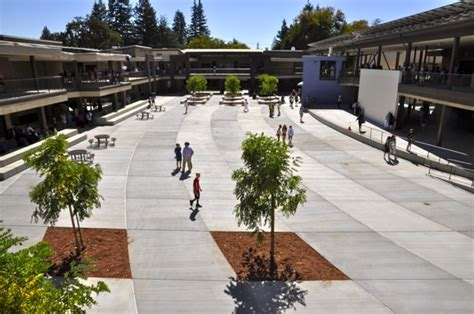 new hillview school makes its debut in menlo park inmenlo 703 | Hillview courtyard no people