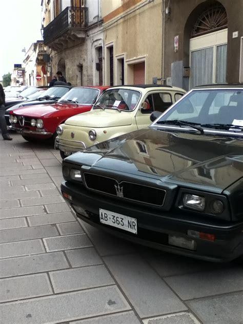 uomini  mondo raduno auto  epoca latianopuglia