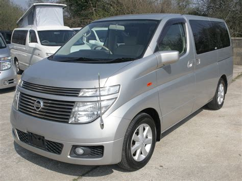 Nissan Elgrand Picture by Bronze Pearlescent 2004 Nissan Elgrand Free Spirit