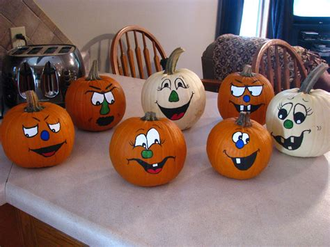 faces pumpkins painted pumpkins pumpkin faces pumpkin