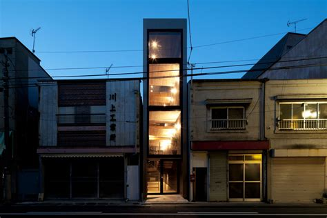 Ultra-narrow House Slotted Into An Alley
