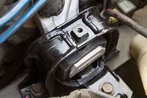Symptoms And Replacement Of A Failing Engine Mount