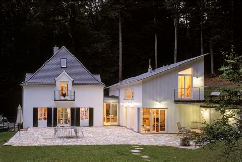 Anbauten An Alte Häuser by Mechtild Friedrich Schoenberger