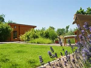 Sauna Im Garten : garten auf drei ebenen mit einer sauna einem wasserbecken und einer baumbank ~ Sanjose-hotels-ca.com Haus und Dekorationen