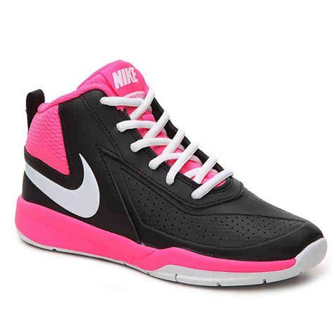 nike  girls team hustle   basketball shoes bob