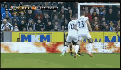 GIF: Wayne Rooney scores a brilliant equaliser for ...
