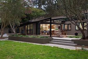 Mid-Century Modern Remodel in California Opens Up