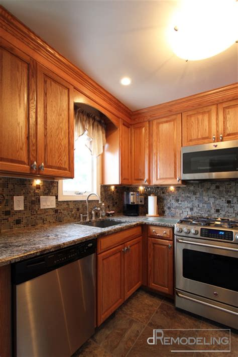 hardware for oak kitchen cabinets stainless appliances and hardware with oak cabinets 7003