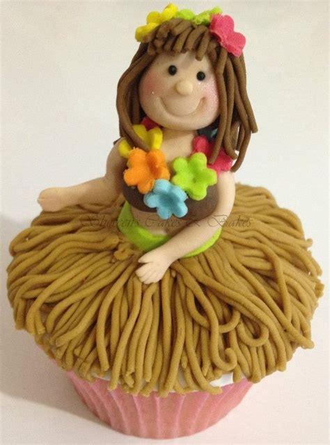 Hula Dancer Cupcake