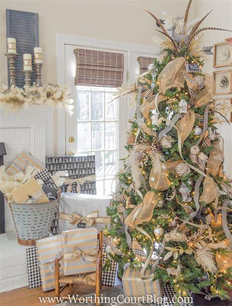 Christmas Tree Mantel Inspiration Linky Party