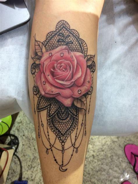rosa tattoo mandala renda tatuando em brasil curitiba