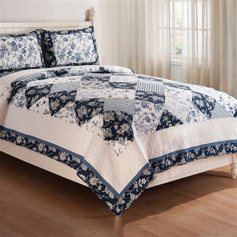 King Size Quilt And Shams by Blue Canton King Quilt 2 King Size Pillow Shams Mini