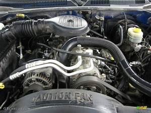 1999 Dodge Dakota Sport Extended Cab 4x4 Engine Photos