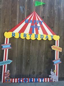 Kinder Spielen Zirkus : circus theme selfie frame bigtop kindergeburtstag ~ Lizthompson.info Haus und Dekorationen