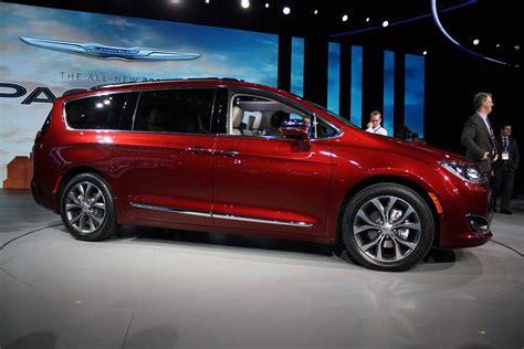 2018 Chrysler Pacifica Awd, Interior, Changes Autosduty