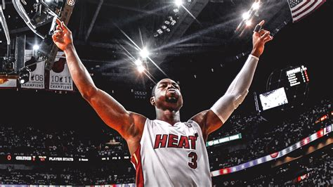 Dwyane Wade Officially Signs New Deal With Miami