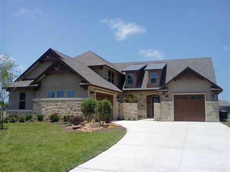 dornewood rustic prairie home plan   house plans