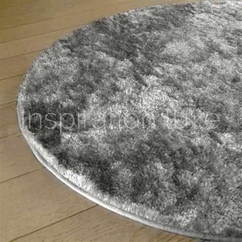 tapis shaggy sur mesure tapis sur mesure rond gris clair shaggy fin par inspiration luxe