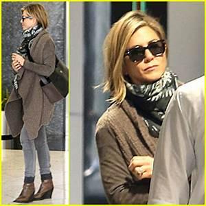 Jennifer Aniston Rocks Short Hair for Skin Care Clinic ...