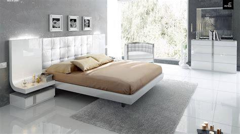 stylish wood elite modern bedroom set  extra storage