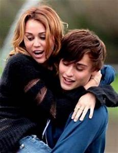 Miley Cyrus and Douglas Booth - Dating, Gossip, News, Photos
