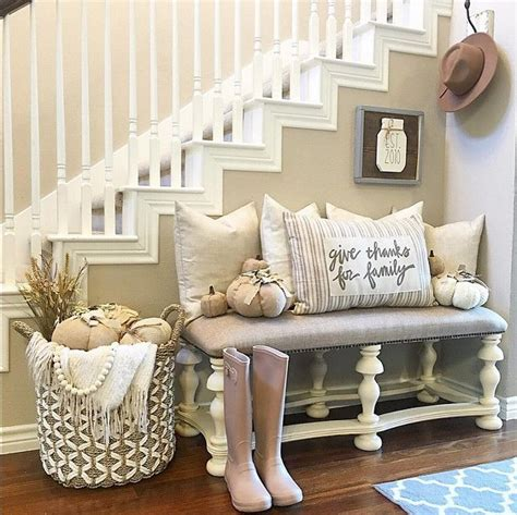 Decorating Ideas Entryway by Best 25 Entryway Bench Ideas On