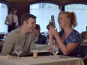 Amy Schumer's SNL Skit Mocks Women, Families Who Use Guns ...