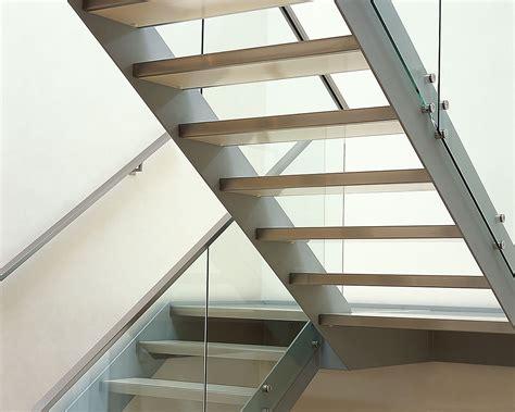 Treppen Aus Stahl by Treppe Und Gel 228 Nder Glas Stahlkonstruktion