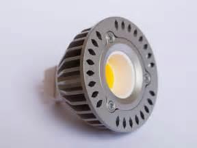 Gu5 3 Led : gu5 3 cob led spot lm35 3 5 watt 12 volt dimbaar ~ Edinachiropracticcenter.com Idées de Décoration