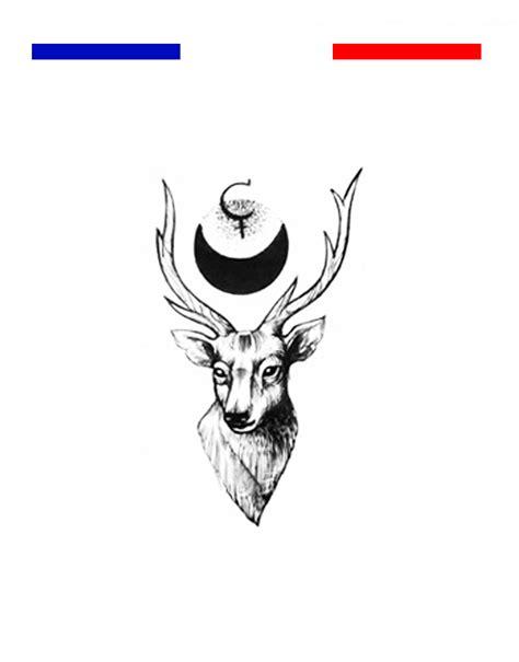 tatouage cerf  lune noir  blanc mon petit tatouage