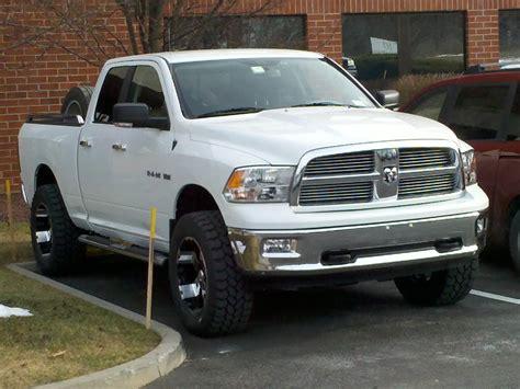 2010 White Dodge Ram 1500 Bighorn Slt, 4x4, Hemi