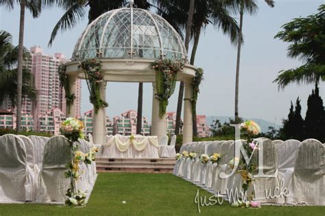 gold coast hotel outdoor wedding decoration packages just my luck wedding
