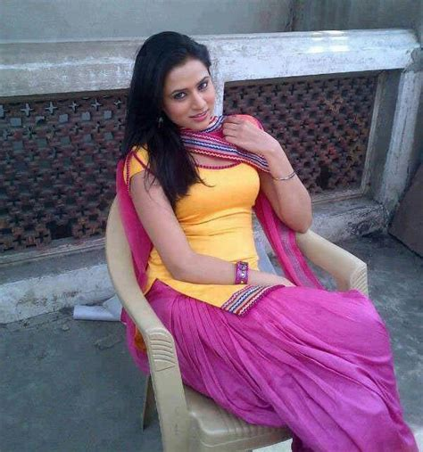 pakistani girl faryal mobile number  chatting