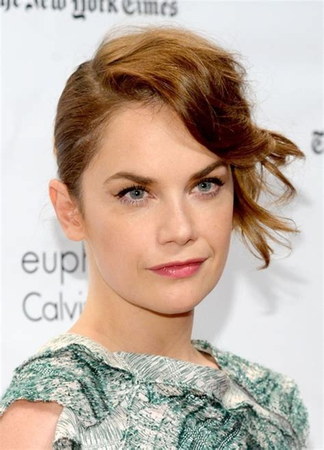 Celebrity Hairstyles with Bangs 2015 in 22 Pictures   Cinefog