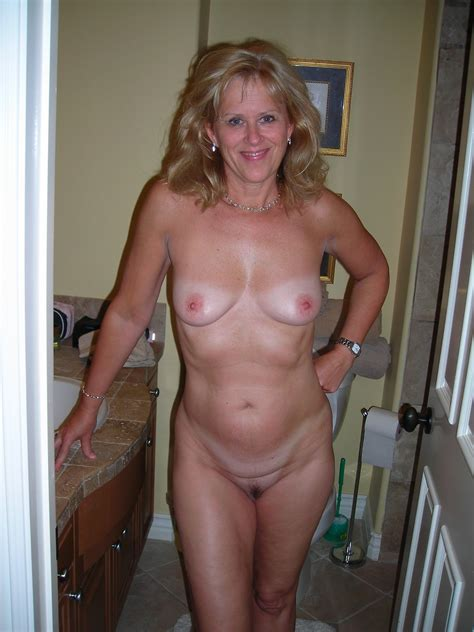 Wmnh In Gallery Wonderful Milf Naked At Home