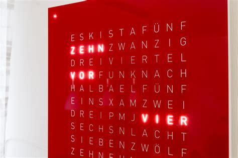 Wanduhr Mit Worten by Qlocktwo Classic Zeit In Worten Uhrforum