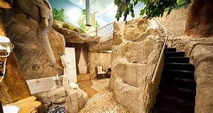 Salt lake39s most romantic getaway anniversary inn for Jungle themed furniture