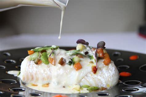 comment cuisiner le merlan saumon royal mariné aux algues kombu pickles kumkats et