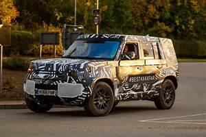 Nouveau Land Rover Defender : land rover defender 2020 les premi res photos du nouveau defender photo 2 l 39 argus ~ Medecine-chirurgie-esthetiques.com Avis de Voitures