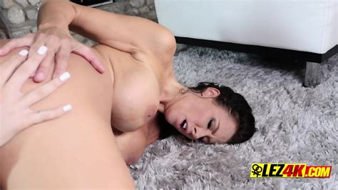 Hot Milf Makes Teen Bully Worship Her Cunt During Lesbian
