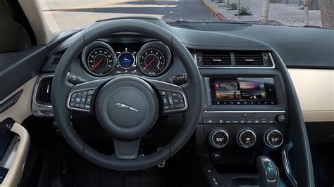 jaguar  pace tecnologia interior youtube