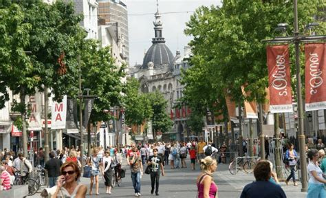 district huis antwerpen useful antwerp travel guide for single women travelers