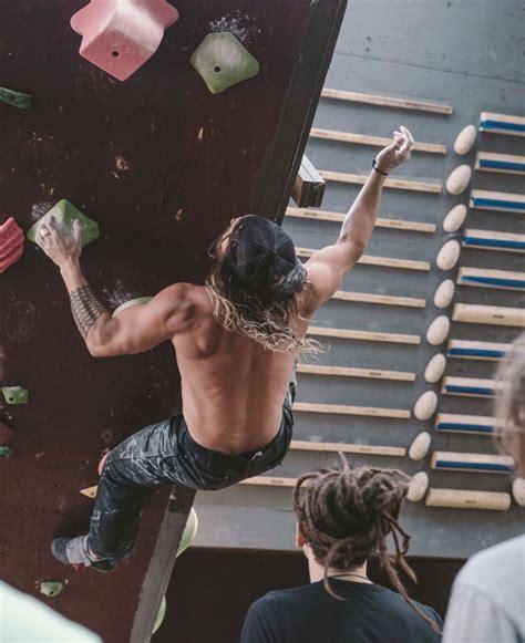 How Jason Mamoa Got Aquaman Jacked Building Superhero