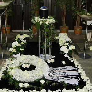 Trauer Blumen Bilder : event floristik barion trauer ~ Frokenaadalensverden.com Haus und Dekorationen
