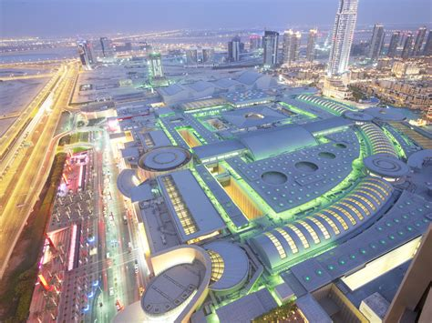 the dubai mall est le plus grand centre commercial du monde sa superficie record est de 1 1