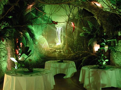 luxury jungle cerca con jungle jungles decor and jungle theme